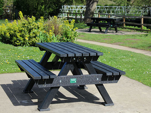 Recycled Plastic Picnic Table